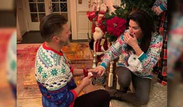 Greg Vaughan makes Christmas proposal to Angie Harmon