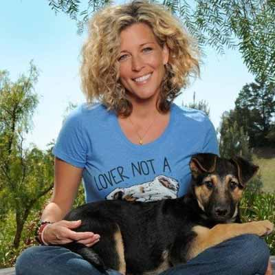 Laura Wright on pet adoption, ASPCA, and her GH leading men