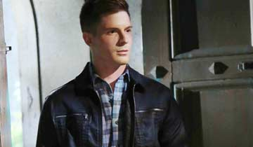 Stars rally for General Hospital's Robert Palmer Watkins, who lost his home in a fire
