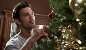 GH's Ryan Paevey stars in magical NYC Hallmark holiday film