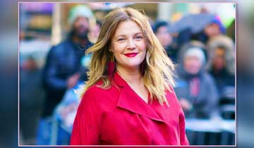 Drew Barrymore shoots daytime talk show pilot for CBS