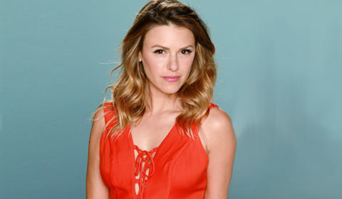 New mom Elizabeth Hendrickson returns to Y&R