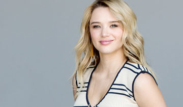 "Y&R's Hunter King has ""the best day"" of her life: she's getting married!"