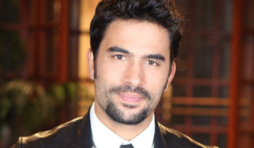 Ignacio Serricchio urges people to treat dogs like family in new PETA ad